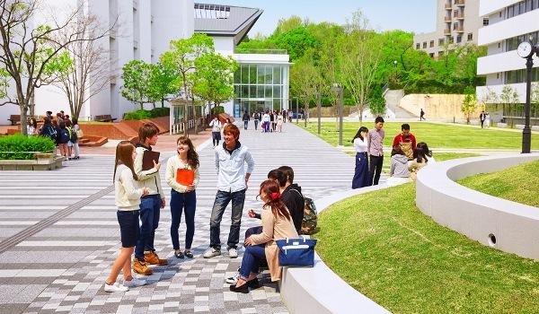 Khuôn viên cơ sở Hanaoka thuộc Osaka University of Economics and Law