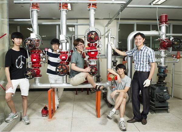 Sinh viên khoa Kỹ thuật tại Seojeong University
