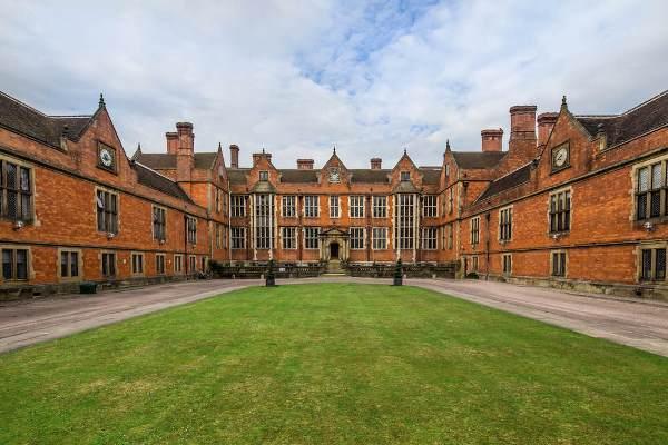 Đại học York - Trường liên kết đào tạo với đại học Gakushuin Nhật Bản