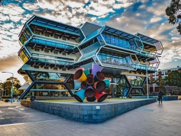 Monash University là một trong những trường liên kết