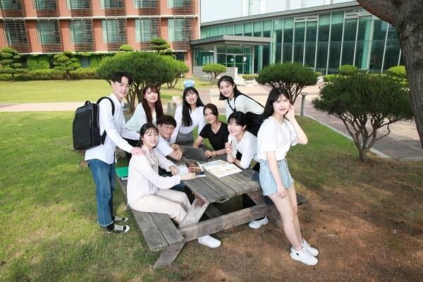 Hình ảnh năng động của sinh viên Trường Chungcheong Hàn Quốc