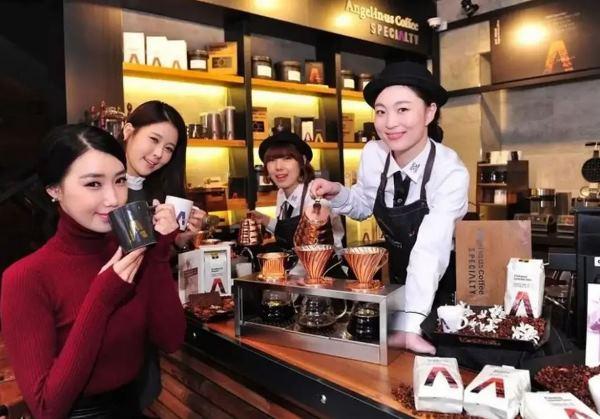 Chuỗi cafe Angel-in-us nổi tiếng tại Hàn Quốc