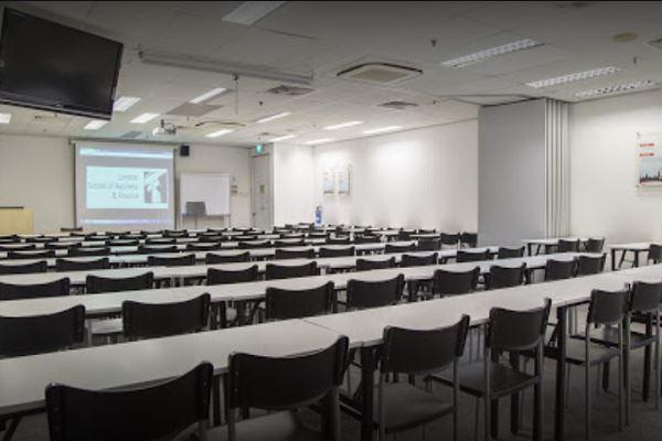 Cơ sở vật chất của trường Kinh doanh và Tài chính Luân Đôn Singapore