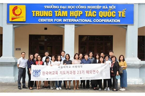 Giao lưu với khoa Ngoại ngữ - Đại học Công nghiệp Hà Nội
