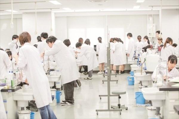 Khoa học Dược là ngành học nổi bật