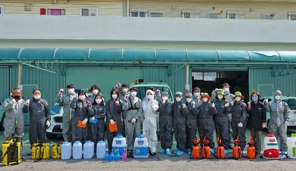Sinh viên trường tham gia phòng chống COVID-19