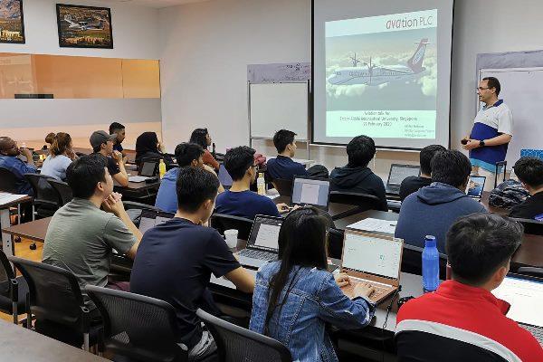 Trường đào tạo về lĩnh vực hàng không
