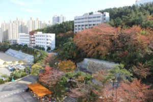 Khuôn viên trường Busan Gyeongsang Hàn Quốc