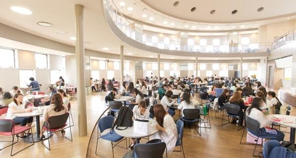 Khu nhà ăn và sinh hoạt chung tại đại học Tokiwa