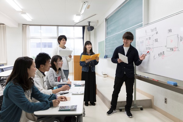 Lớp học Kinh tế học kinh doanh