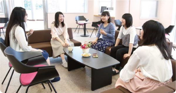Một khu ký túc xá sinh viên thuộc đại học Seitoku