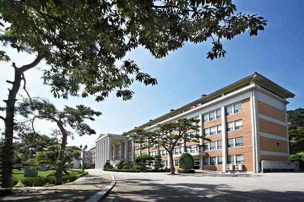 Osan University hoạt động hơn 43 năm