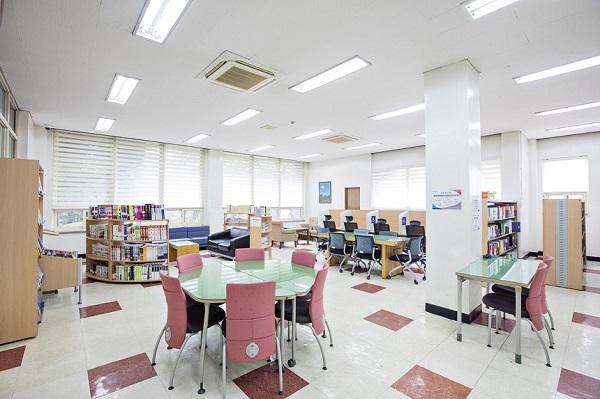 Thư viện đại học Yonam