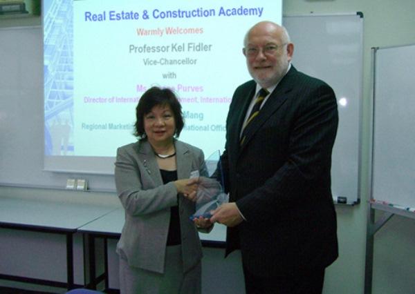Cùng tham khảo thông tin chi tiết về học viện Xây dựng và Bất động sản nhé!