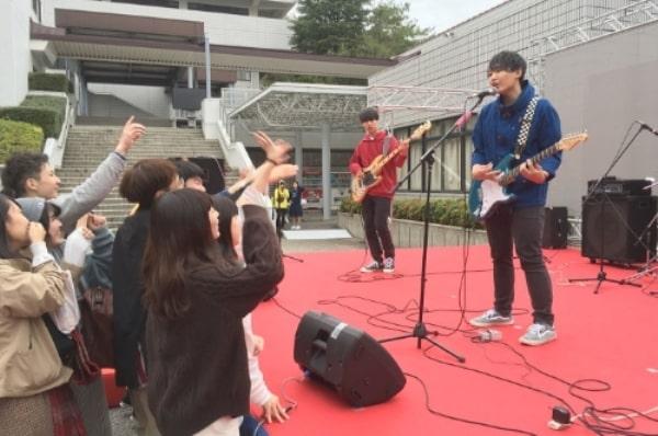 Hoạt động ngoại khóa hấp dẫn tại đại học Koshien
