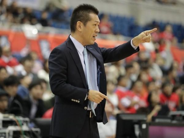 Huấn luyện viên bóng rổ nổi tiếng Honoo Hamaguchi