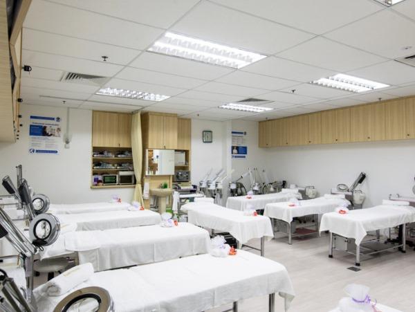 Khu thực hành dành cho sinh viên học viện Thẩm mỹ Quốc tế