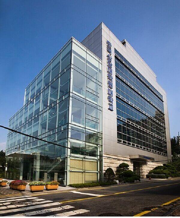 Khung cảnh bên ngoài cao học Luật Hàn Quốc