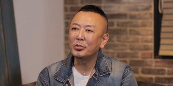 Nhà sản xuất và thiết kế trò chơi điện tử Toshihiro Nagoshi