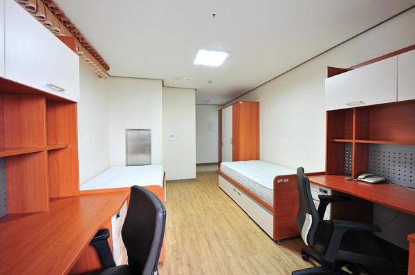 Phòng đôi dành cho sinh viên học tập, nghỉ ngơi
