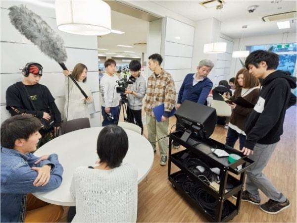 Truyền thông đại chúng là lĩnh vực nổi bật tại đại học Edogawa