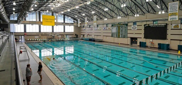Bể bơi hiện đại