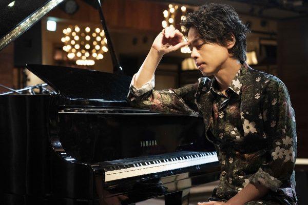 Diễn viên và ca sĩ kiêm sáng tác nhạc Akinori Nakagawa