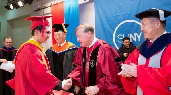 Lễ trao bằng tốt nghiệp của sinh viên Korea The State University of New York