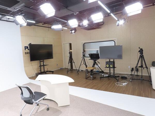 Phòng truyền thông trường đại học thần học Presbyterian Hàn Quốc