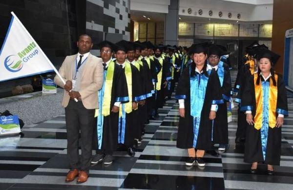 Sinh viên học viện tốt nghiệp khóa học