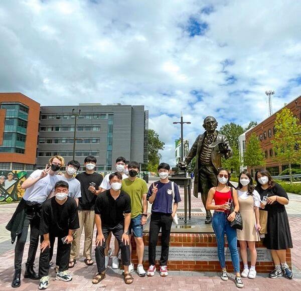 Sinh viên trường Đại học George Mason Hàn Quốc