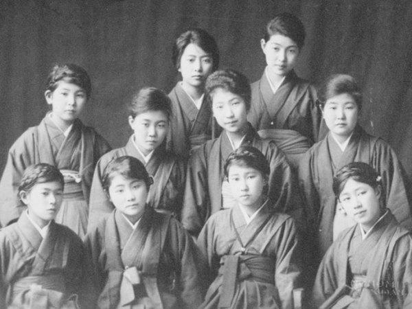 Thế hệ sinh viên đầu tiên tại Atomi University