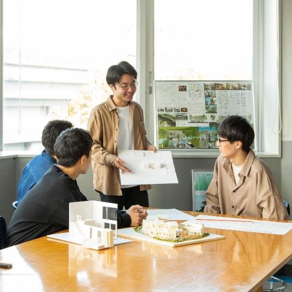 Tỷ lệ sinh viên đại học Tohoku Bunka Gakuen có việc làm sau khi tốt nghiệp rất cao